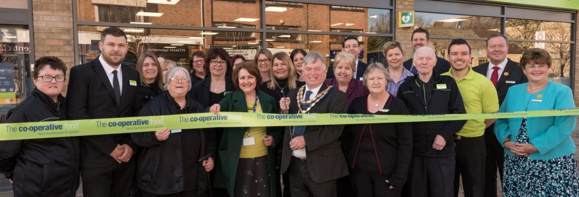 Daybreak asked to cut the ribbon at new Kidlington Midcounties Co-op store